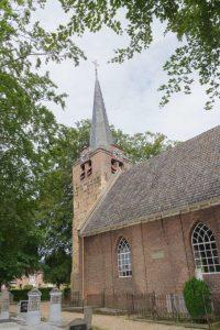20161013-kerk-linkerzijde-met-begraafplaats